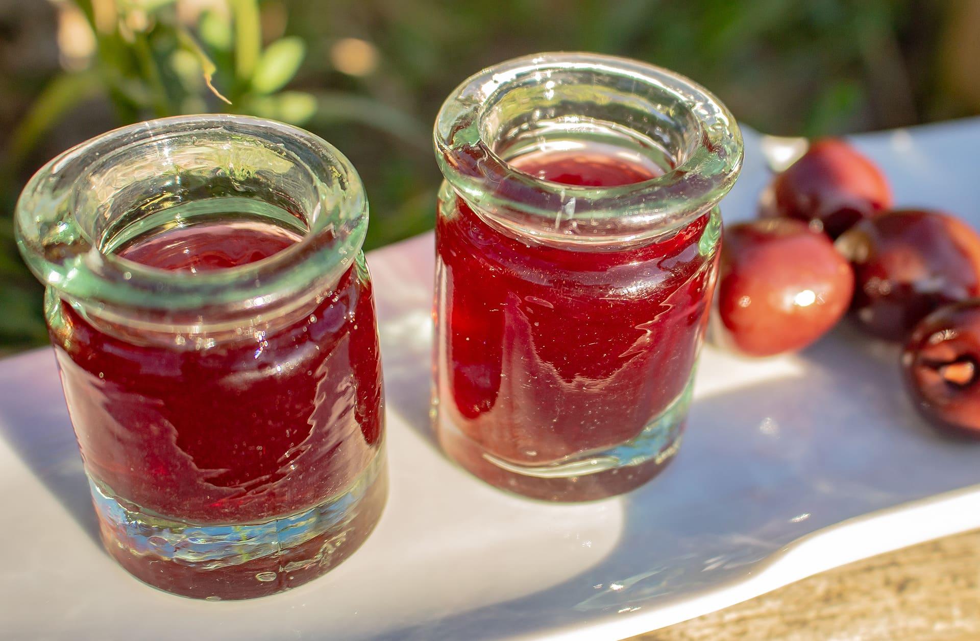 ¿Brindamos con unas cerezas en aguardiente?