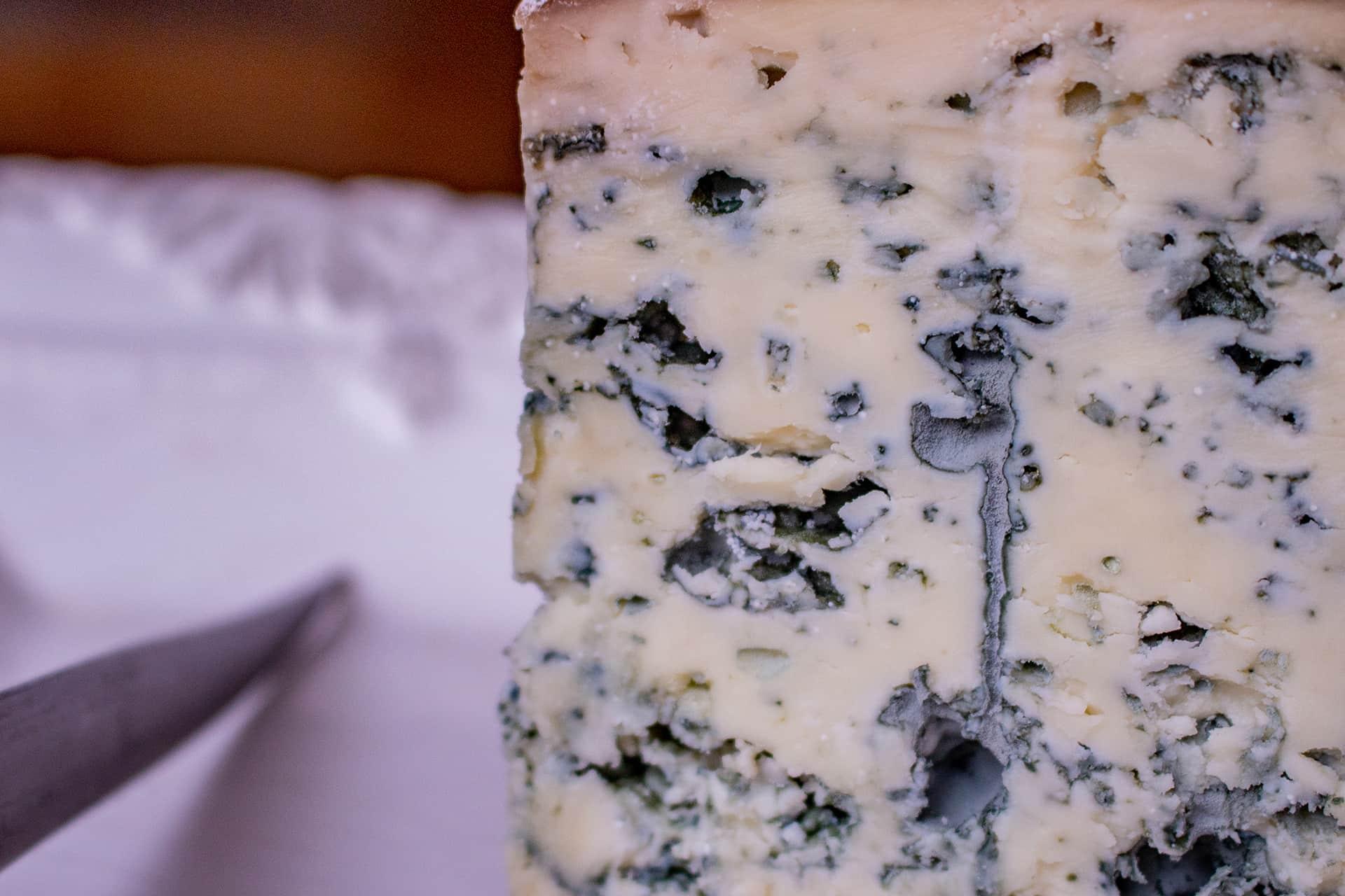 queso valdeon azul detalle moho