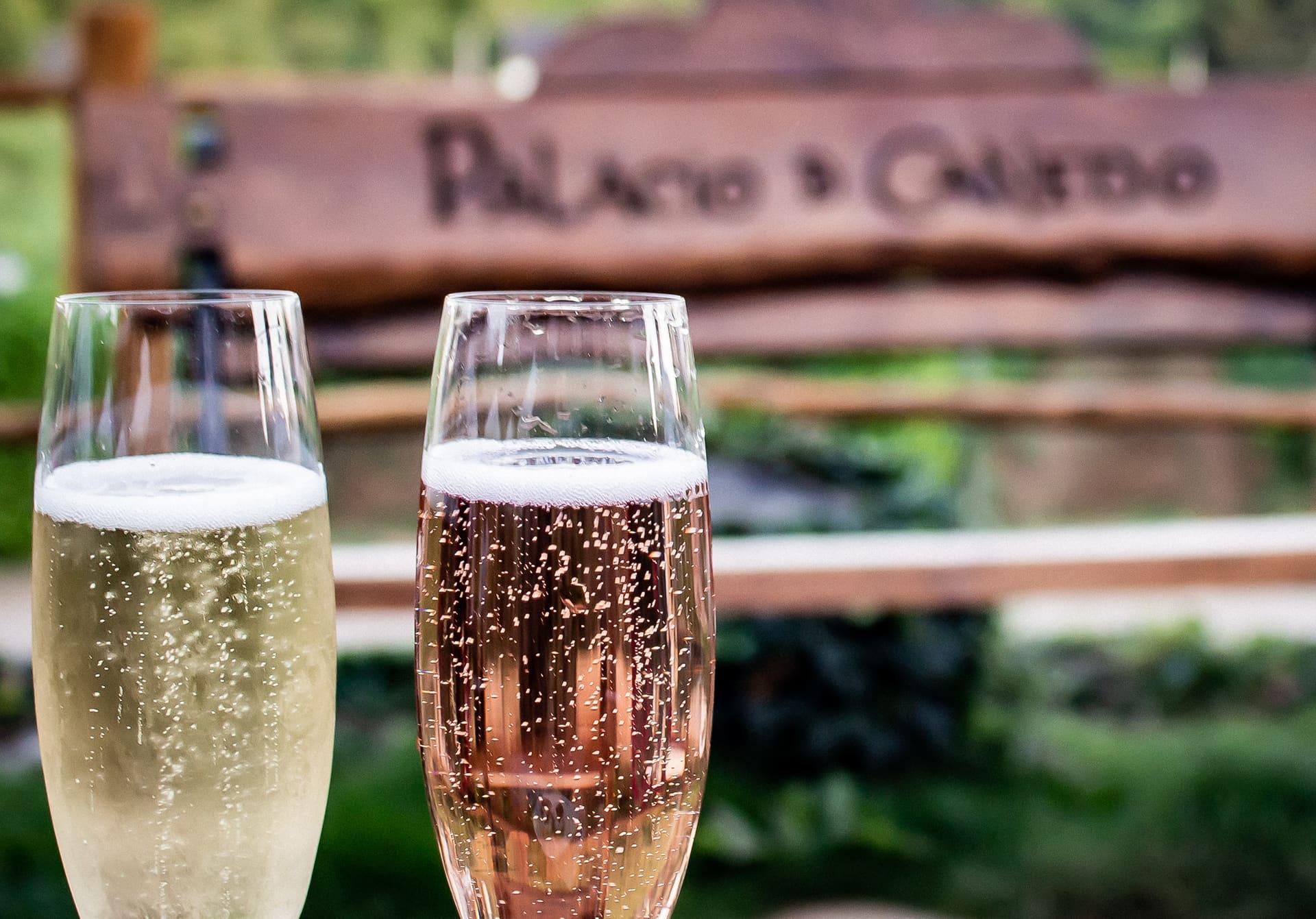 Dos copas Xamprada para disfrutar del atardecer en Palacio de Canedo