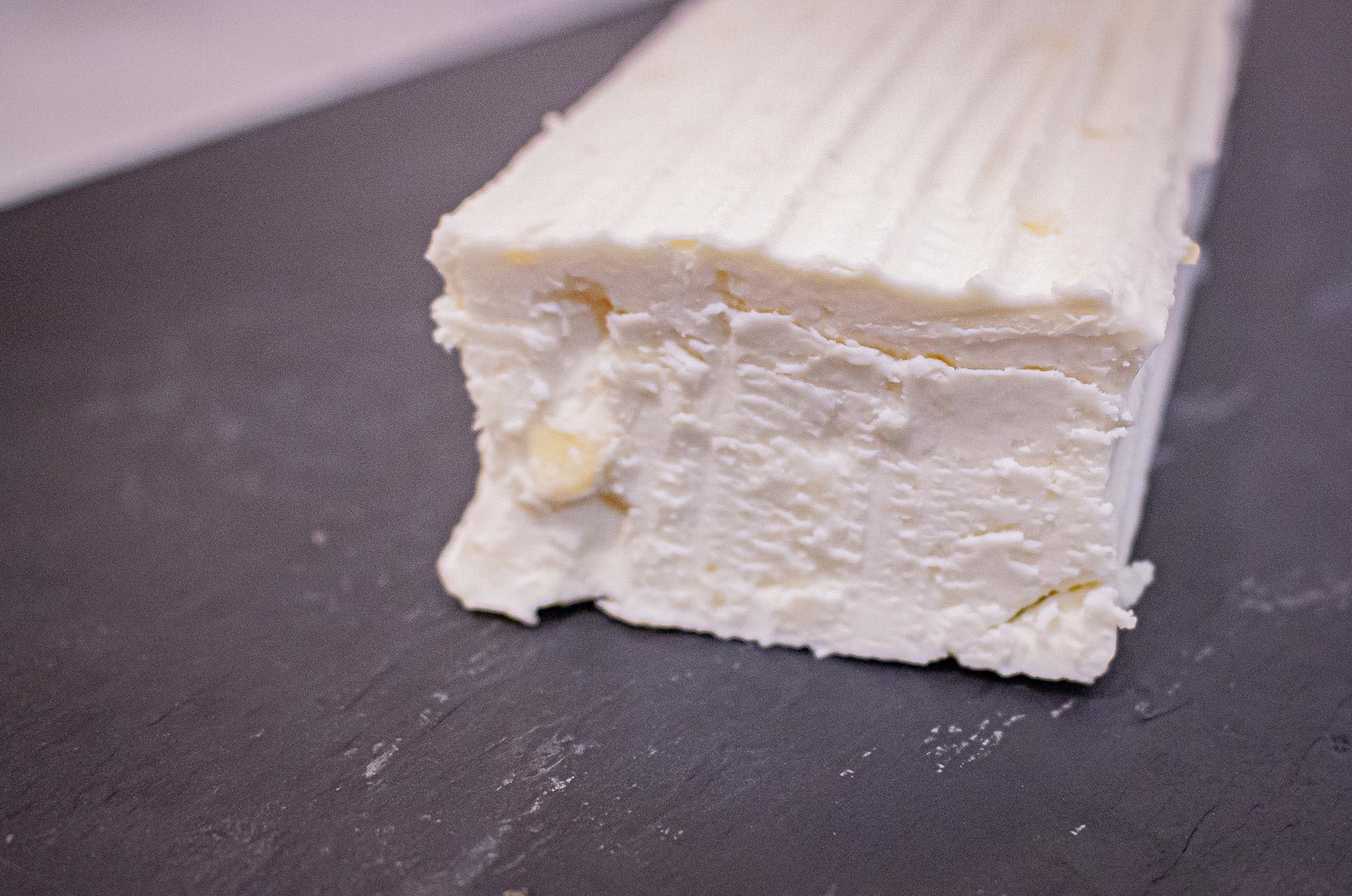 queso de cabra con manzana de Facendera para la ensalada de cecina y queso de cabra