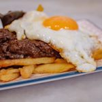 Morcilla de León con patatas y huevos fritos