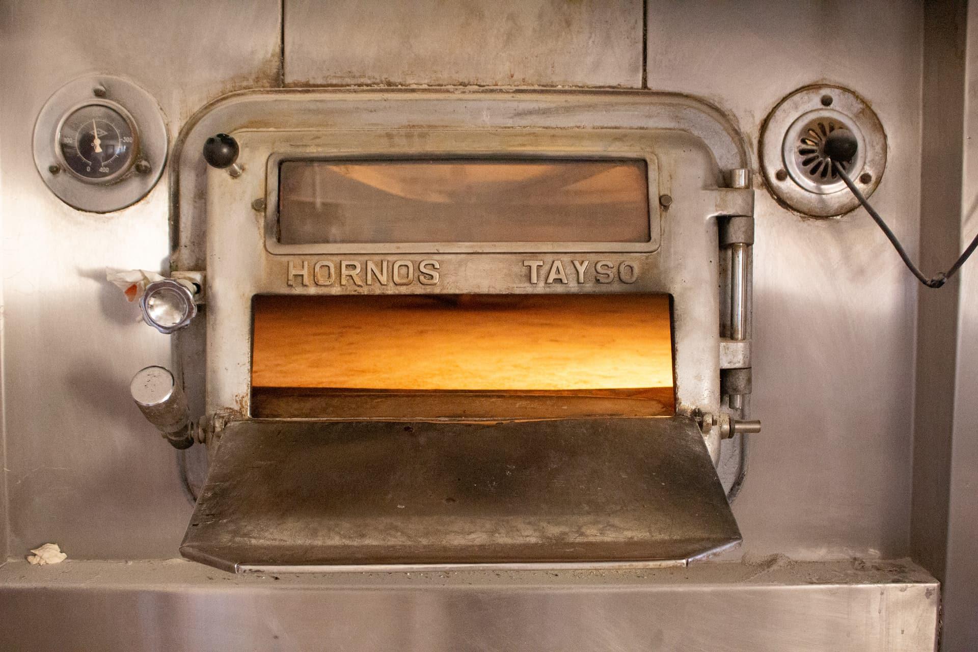 Pan de León Panadería Villabente horno