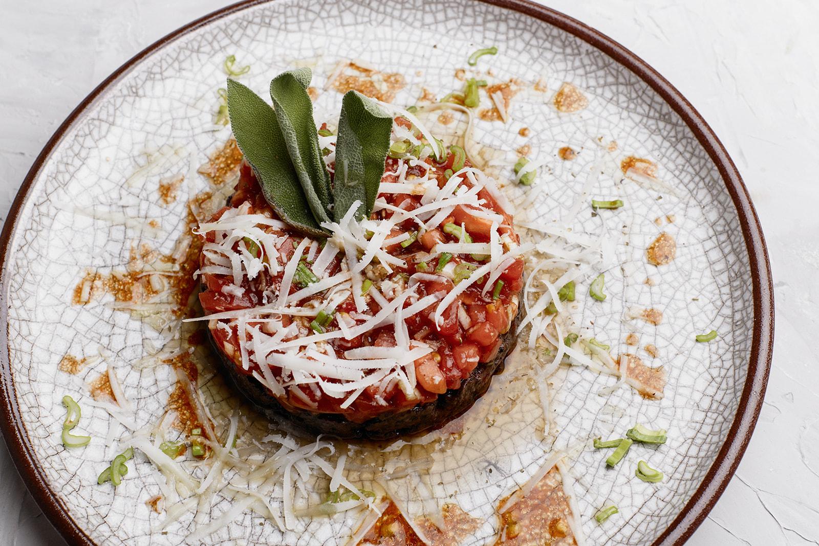 Receta de Tartar de morcilla de León y tomate de Mansilla de León